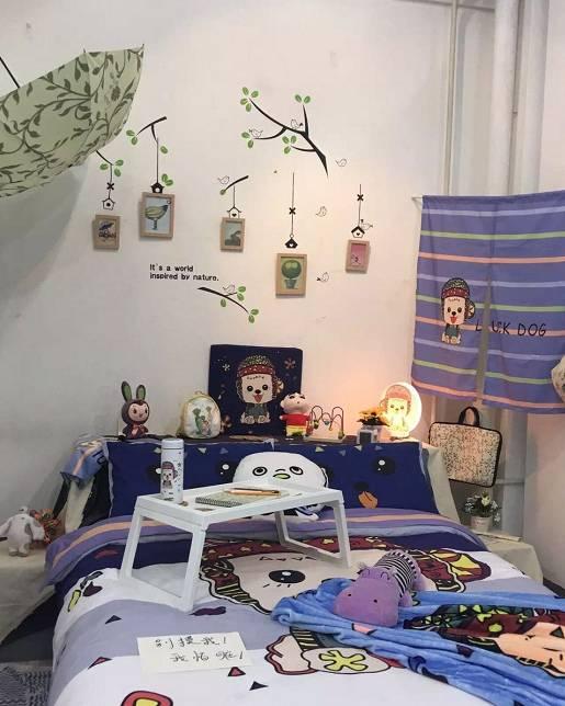 2016届纺织产品类毕业设计作品展举行